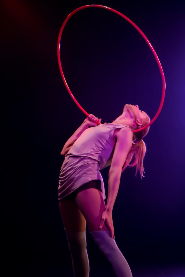 Annika Hakala Circus Artist Hulahoop Artist Show Event Gala Variety Varieté