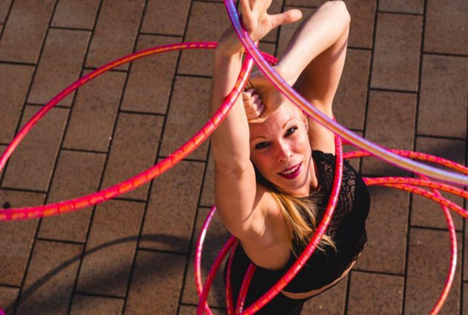 Annika Hakala Circus Artist Hulahoop Show Event Gala Varieté